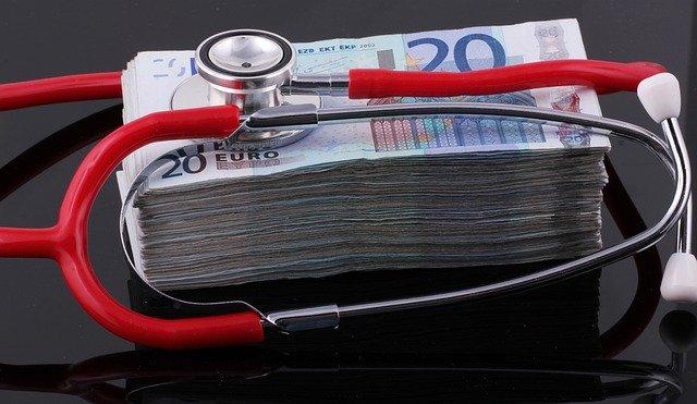 会社を辞めたあとの手続き①:健康保険