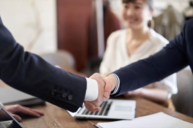 法人成りから税理士と顧問契約を交わすタイミング